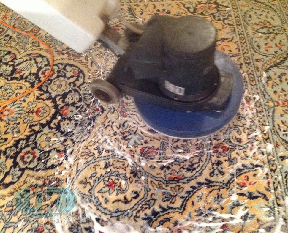 Чистка ковра шерстяного в домашних условиях
